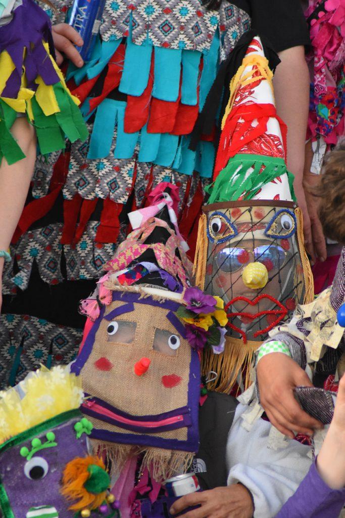 Lokalne obchody Mardi Gras w społecznościach kreolskich i cjauńskich