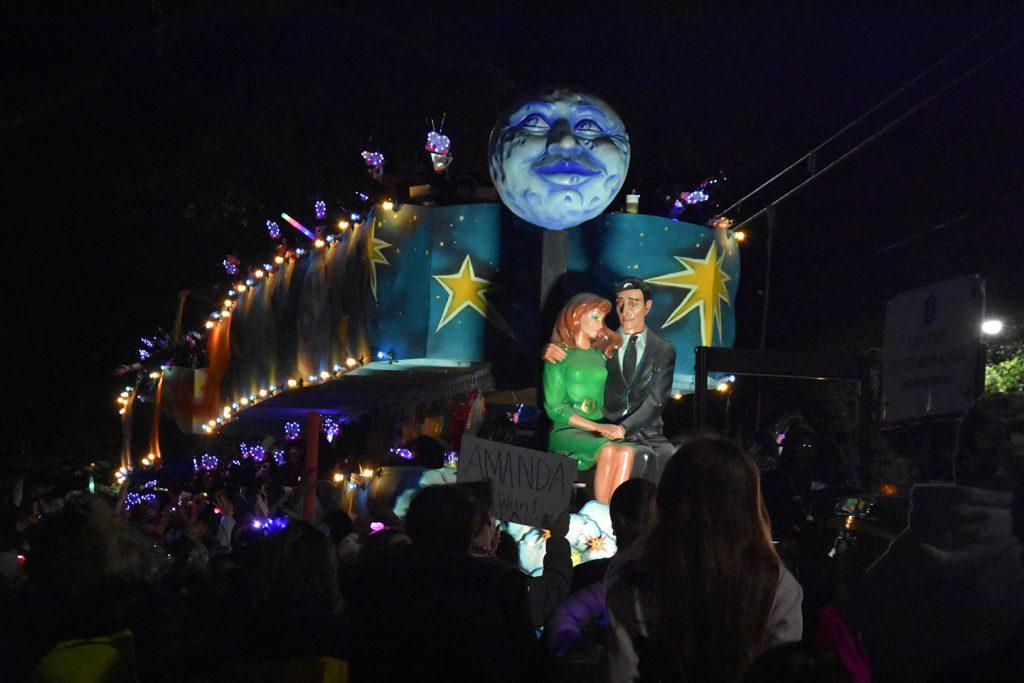 Platforma podczas parady w Nowym Orleanie podczas Mardi Gras